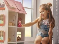 10 Lovely DIY Dollhouse Ideas for Your Child